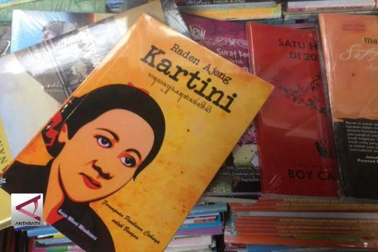 "Buku Kartini Laris di ""Kampoeng Ilmu"" Surabaya"