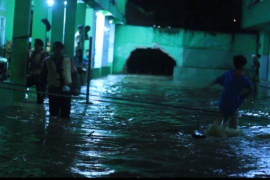 Kalau banjir di Garut gara-gara drainase yang buruk