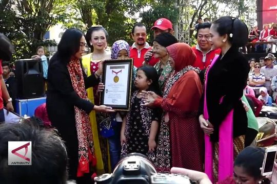 Tari Gambyong massal pecahkan rekor Muri