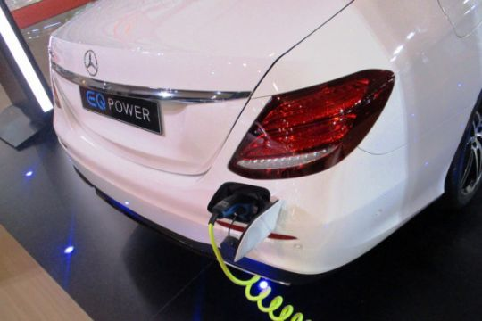 Daimler-CATL siapkan baterai berdaya jelajah 700km untuk Mercedes Benz