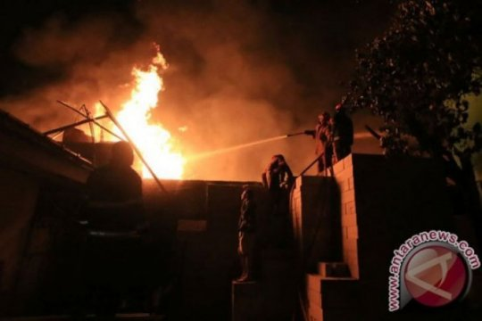 Kebakaran landa sebuah rumah tinggal di Jakarta Utara