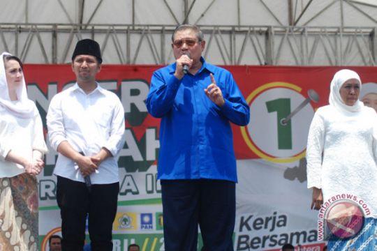 Kampanye akbar Khofifah-Emil