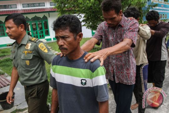 Berkas perkara pembantaian beruang madu Riau lengkap, pelaku segera disidang
