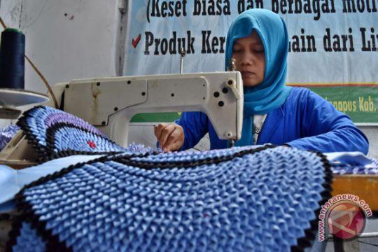 Kerajinan tangan upaya PMI bantu pulihkan ekonomi korban tsunami Pandeglang
