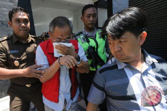 Korupsi empat pejabat PT DPS
