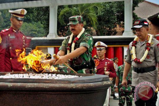 Kunjungan Panglima TNI dan Kapolri ke Akpol