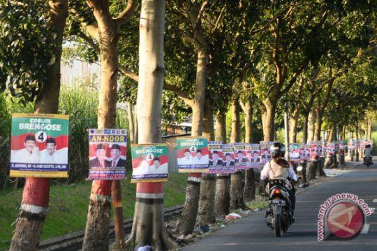 KPU Karawang: banyak peraga kampanye dipasang tak sesuai aturan
