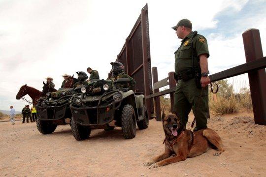 Kelompok HAM kecam perlakuan pelaku persekusi AS terhadap migran