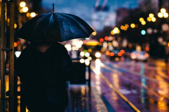 Sebagian Jakarta waspada hujan