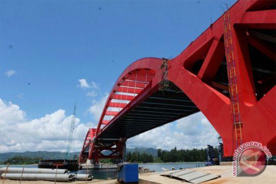 Presiden tinjau proyek pembangunan Jembatan Holtekam