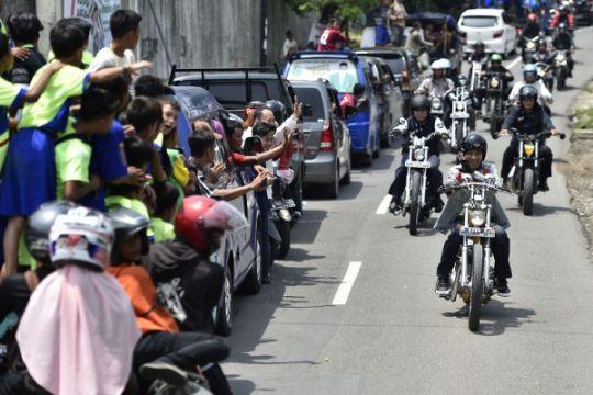 Jokowi naik motor hasil modifikasi ke Citarik