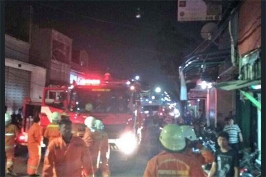 Polisi telusuri asal api kebakaran pemukiman padat Jembatan Besi Jakbar