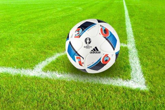 Pesepak bola Lebanon meninggal dunia terkena 'peluru nyasar'