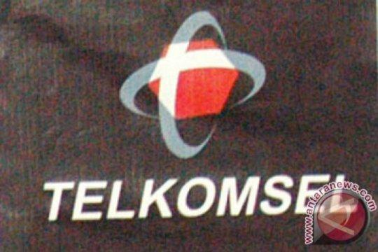 Telkomsel bagi 50 tiket gratis Ambon-Makassar