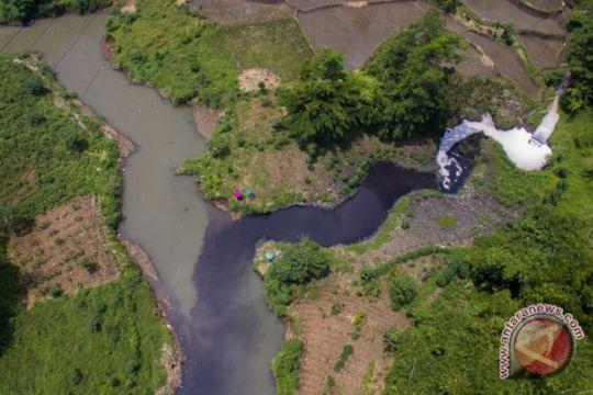 Pemerintah tindak tegas perusahaan pencemar Sungai Citarum