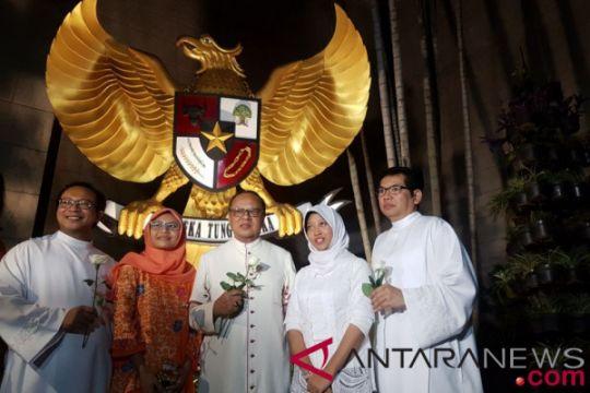 Uskup Agung Jakarta kecam bom gereja Surabaya