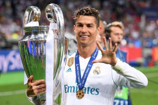 Daftar nominasi pemain terbaik FIFA, Messi dan Ronaldo bersaing