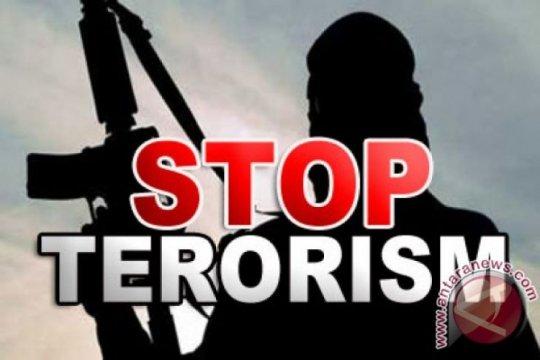 Kelompok teroris serang polisi usai Shalat Jumat
