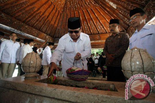 Prabowo ziarah ke makam Bung Karno