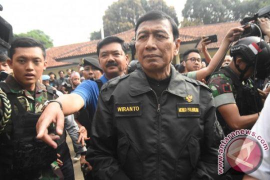 Wiranto tegaskan polisi beri ultimatum bukan bernegosiasi