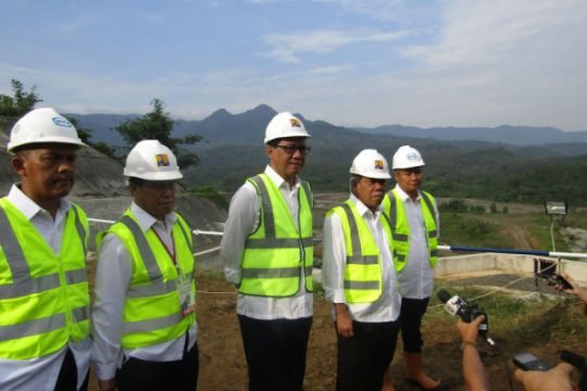 1000 warga bersihkan Sungai Cimanuk  Indramayu