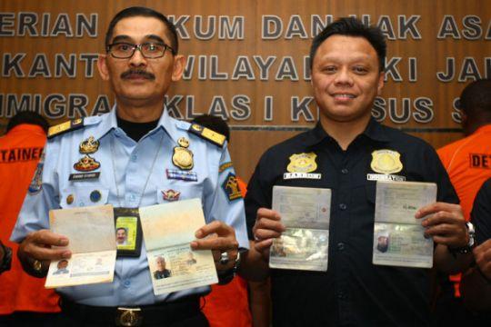 Pemalsuan Paspor Indonesia oleh WNA