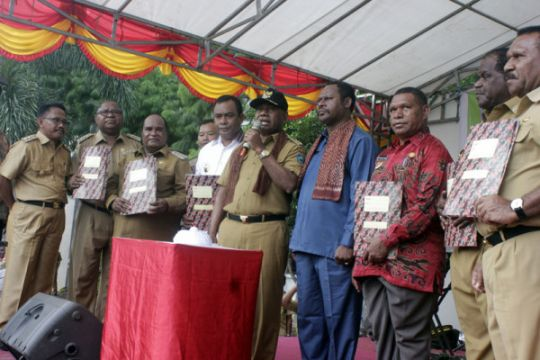 Pengukuhan tim pemekaran Papua Barat Daya