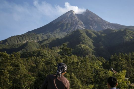 Aktivitas warga lereng Gunung Merapi