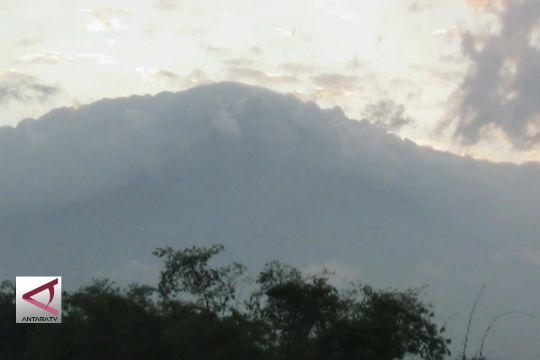 Gunung Merapi kembali semburkan abu vulkanik