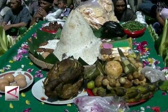 Jamasan Serobong Gobang, tradisi unik Desa Tlilir