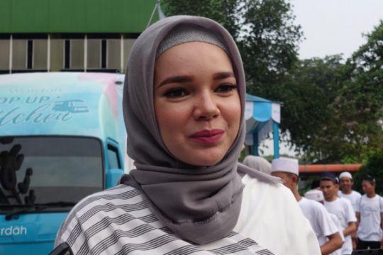 Gaya hidup sehat ala Dewi Sandra saat Ramadhan