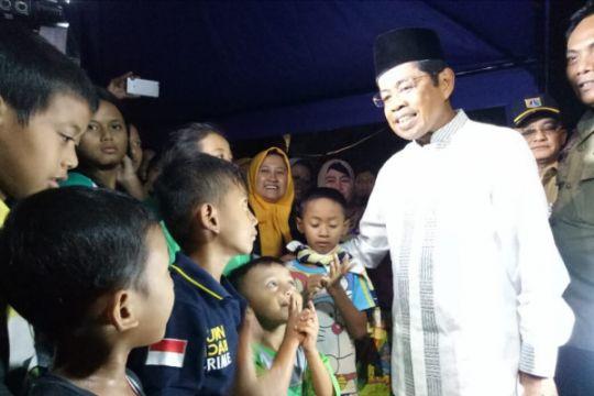 Mensos serahkan bantuan korban kebakaran di Jaktim