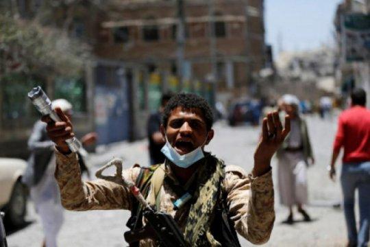 Koalisi Arab Saudi cegat 3 rudal balistik yang diluncurkan Houthi