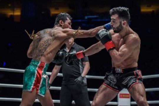 Pertarungan kickboxing warnai One Championship Indonesia