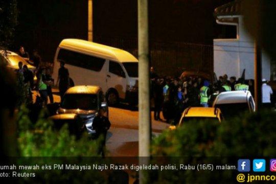 Mantan PM Malaysia tak tahu asal uang di rekening bank, kata pengacara
