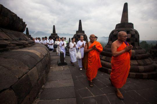 Ratusan umat Budha pawai Waisak di Candi Sewu, Klaten