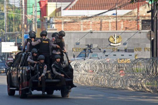 Polri: lima polisi gugur, satu tahanan tewas