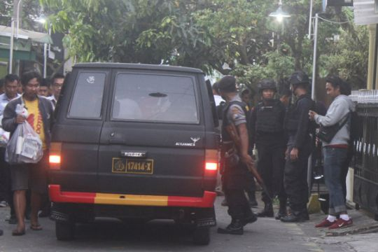 Densus 88 tembak mati dua dari tujuh terduga teroris di Tanjung Balai