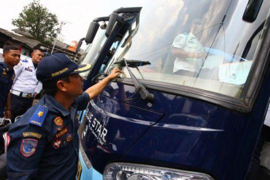 Dishub Madiun sediakan 10 bus balik gratis