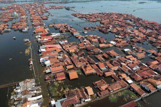 BPBD: korban banjir di Konewane mengungsi ke gedung sekolah