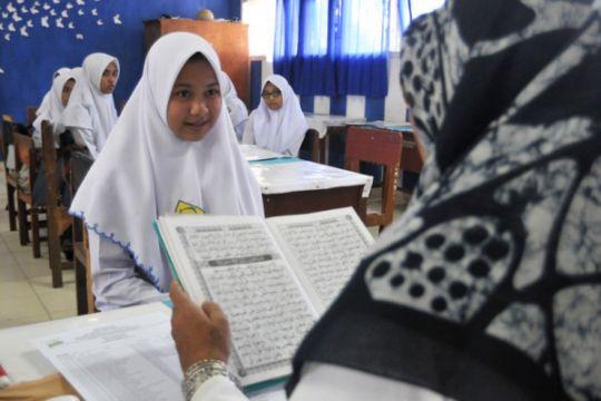 Ortu siswa keluhkan rencana kenaikan SPP SMA/SMK di Surabaya