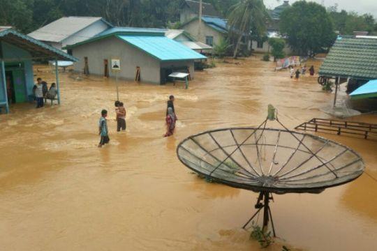 Banjir merendam permukiman warga Kapuas Hulu