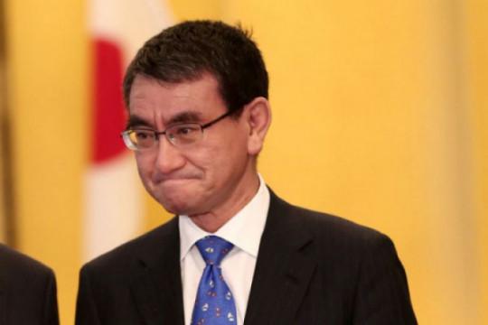 Menteri vaksinasi, kandidat PM Jepang terfavorit dalam jajak pendapat