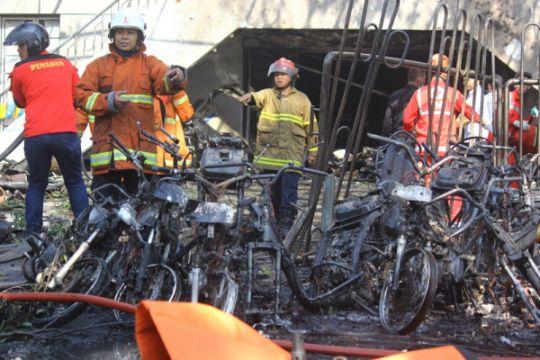 Ledakan di Gereja Pantekosta Surabaya diduga dari bom mobil
