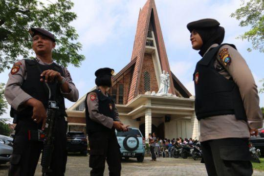 Personil bersenjata lengkap Polres Jembrana siaga teroris
