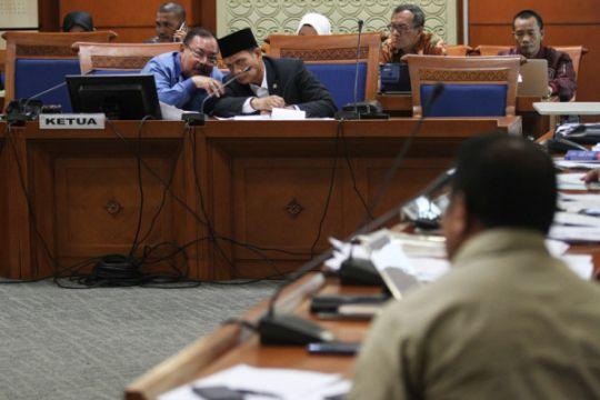 Kemarin, pembahasan RUU Antiterorisme hingga video ancaman untuk Presiden Jokowi