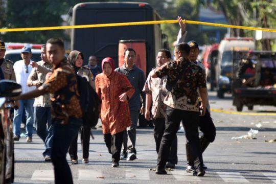 Risma: perekonomian Surabaya menurun pascateror bom