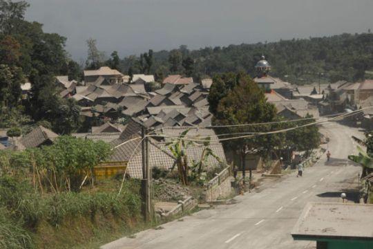 Abu Vulkanis Gunung Merapi