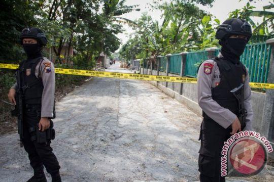 Polisi amankan sejumlah barang terduga teroris Sragen