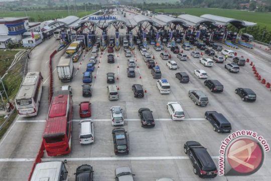Kendaraan lintasi GT Palimanan terus menurun